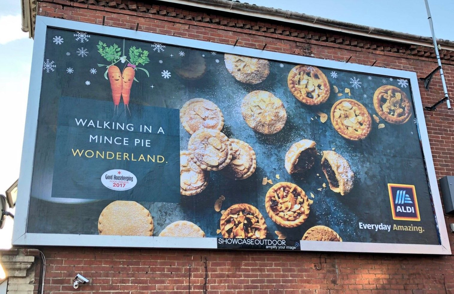 Picture of a 2018 Aldi UK Christmas billboard